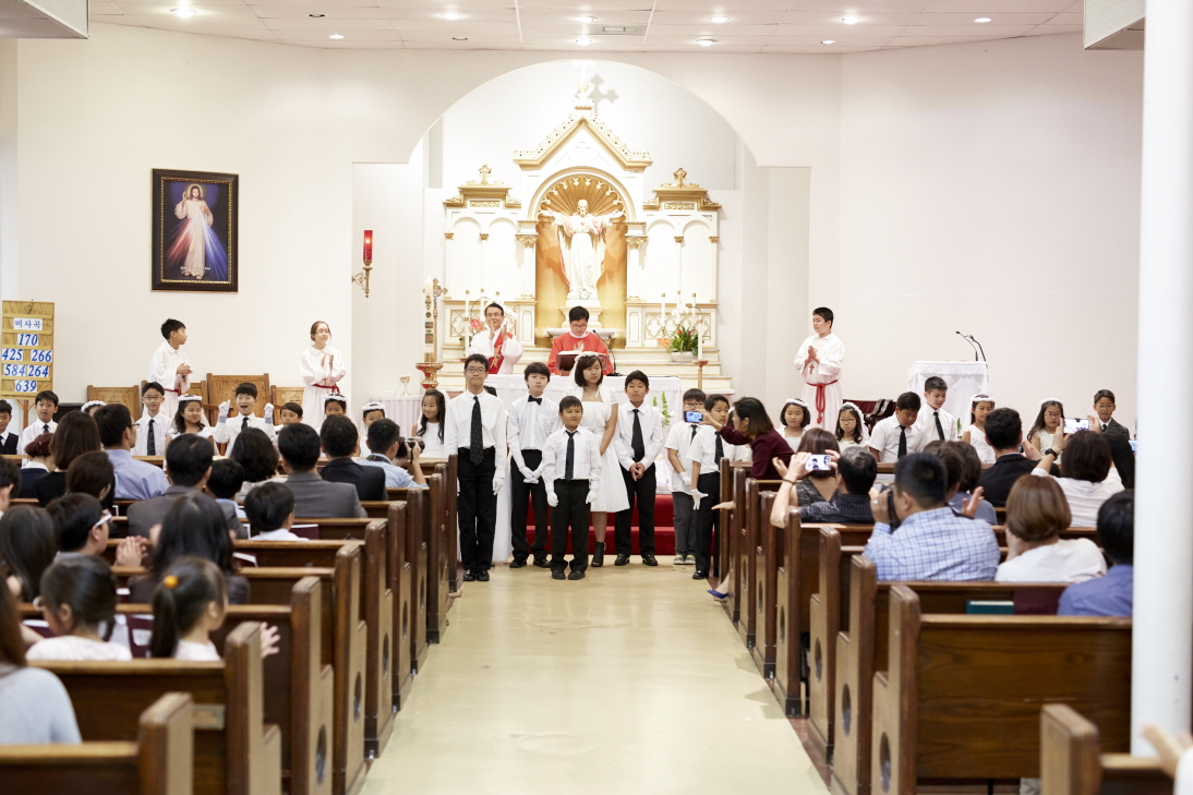 2016 First Communion.20160515_St. Andrew Kim 120.jpg