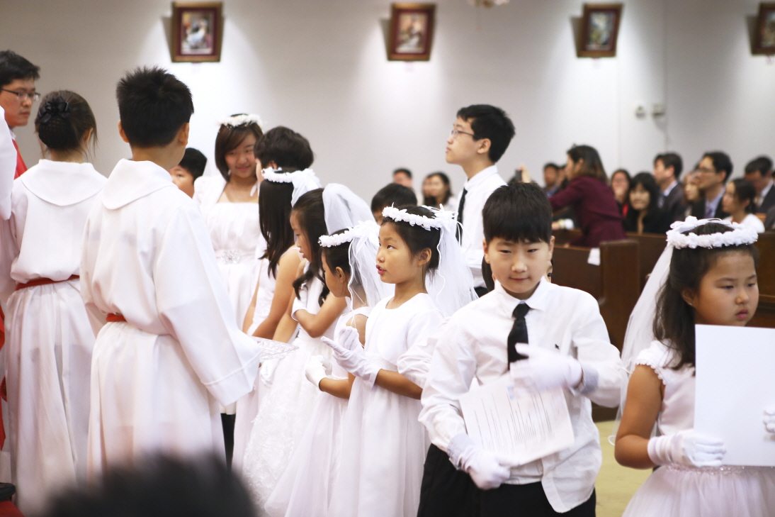2016 First Communion.20160515_St. Andrew Kim 681.jpg