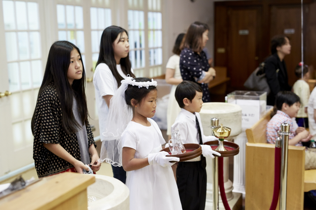 2016 First Communion.20160515_St. Andrew Kim 125.jpg