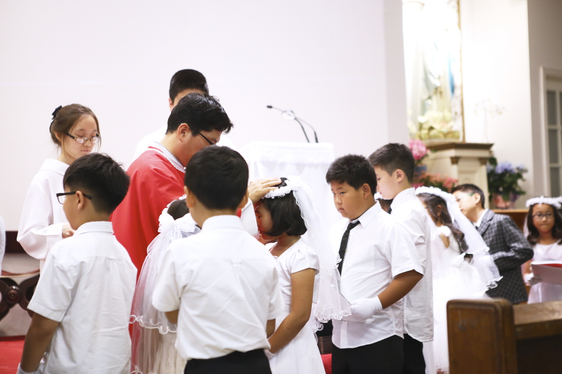 2016 First Communion.20160515_St. Andrew Kim 697.jpg